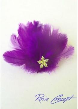 Луксозна дизайнерска брошка- украса за коса с пера и кристали - цвят тъмно лила Purple Bird